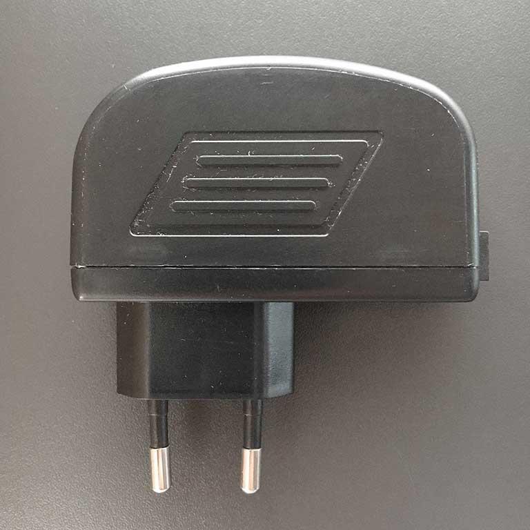 LED  Treiber Stecker Trafo 24V Jing Neng JNP25WX Netzteil Supply Driver schwarz